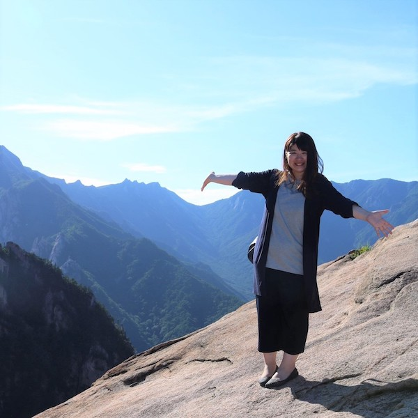 美しい景色が見える権金城。周りは崖になっておりスリル満点
